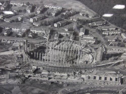 創建当時の施工中の様子(写真:日本スポーツ振興センター)
