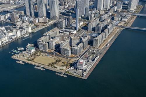東京オリンピック・パラリンピックで選手村として使われる「晴海5丁目西地区再開発(HARUMI FLAG)」のマンション群(写真:HARUMI FLAG広報事務局、2019年12月時点の様子)