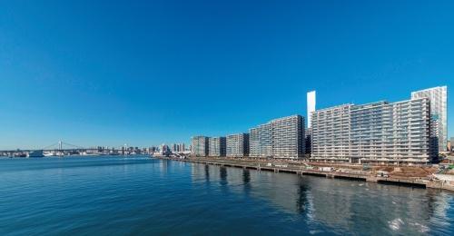 海に面したSEA VILLAGEの全景(写真:HARUMI FLAG広報事務局)