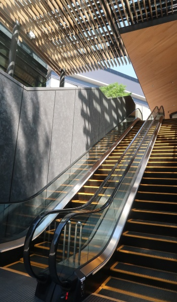 JR立川駅から最も近い、敷地南側の「サウスゲート」(写真:日経クロステック)
