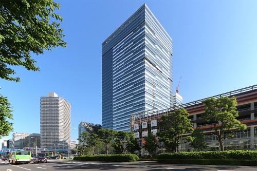 豊洲ベイサイドクロスタワーを北西側から見る(写真:日経クロステック)