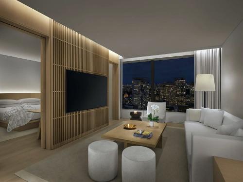 スイートルームのオフィシャルイメージ。各室、高層階からのパノラミックな景観をセールスポイントとする(写真:マリオット・インターナショナル)
