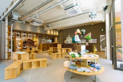 地上1階には写真館の他、カフェやショップ、ギャラリーから成る「神田ポート」が入居している(写真:安田不動産)