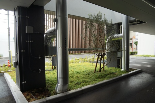 ピロティー下に設けたアースチューブの立ち上がり部分(写真:省エネNext)