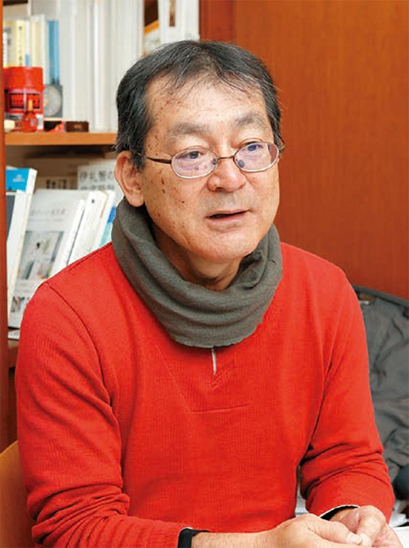 伊礼 智|Satoshi Irei 1959年沖縄県生まれ、82年琉球大学理工学部建設工学科計画研究室卒業、85年東京芸術大学美術学部建築科大学院修了。96年に伊礼智設計室開設。2016年から東京芸大美術学部建築科非常勤講師。『伊礼智の住宅設計作法』など著作多数(写真 : 大久保 惠造)