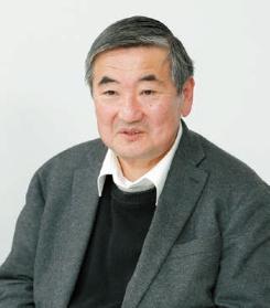 鶴崎 敏美|Toshimi Tsurusaki 1957年生まれ。79年日本工業大学工学部建築学科卒業、木下工務店入社。80年鶴崎工務店入社。2008年同社代表取締役社長。一級建築士、宅地建物取引士(写真:大久保 惠造)
