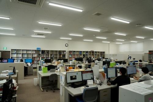 2階の執務スペース(写真:守山 久子)