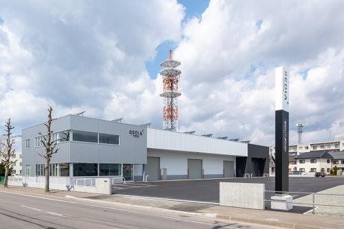 渡辺パイプ 函館サービスセンターの南東側外観(写真:渡辺パイプ)