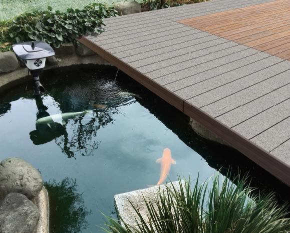 天然石と人工木を組み合わせた施工イメージ(資料:セイキ総業)