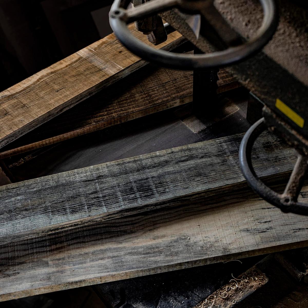 古風板。上から「鉄錆」「黒鐘」「銀鼠」「白磁」(資料:プレイリーホームズ)
