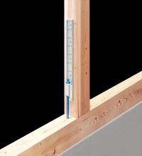 「〔枠材用〕高耐力フレックスホールダウン」は枠材の上から直接ビス留めできる(資料:BXカネシン)