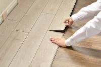 床に置いてはめ込むだけで施工できる(資料:プレイリーホームズ)