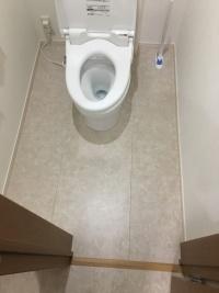 トイレの床にも適している(資料:カネカフォームプラスチックス)