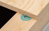 インパクトレンチで締め付けると、材面とフラットに仕上がる(資料:BXカネシン)