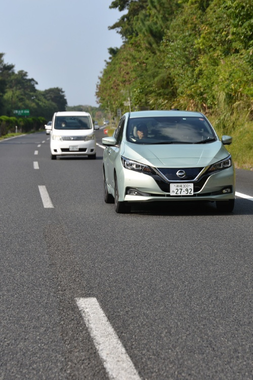 図1 沖縄自動車道で自動車線維持機能を検証