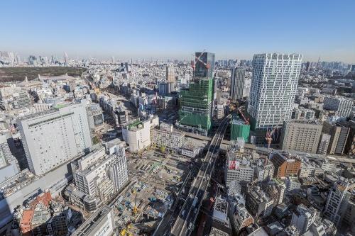 渋谷スクランブルスクエア、渋谷ストリーム、道玄坂1丁目駅前地区再開発など渋谷駅周辺の建設地を西側から見下ろす(写真:大山顕)