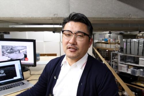 齋藤精一・ライゾマティクス代表取締役(撮影:日経アーキテクチュア)