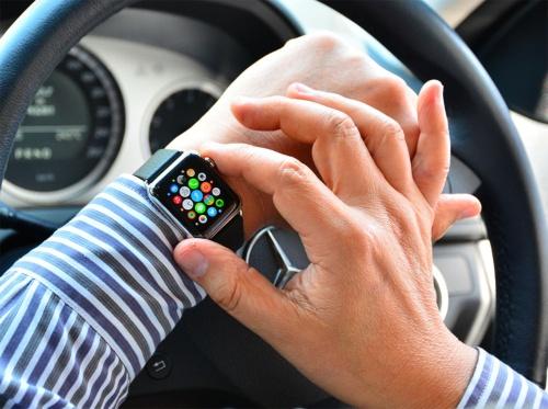 購入から2年を経ても日々快適に使っていた初代Apple Watch。まさかバッテリーのトラブルに見舞われるとは夢にも思わなかった(筆者撮影、以下同じ)