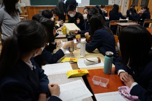 静岡の人気菓子「こっこ」などを題材にヒット商品の分析をする