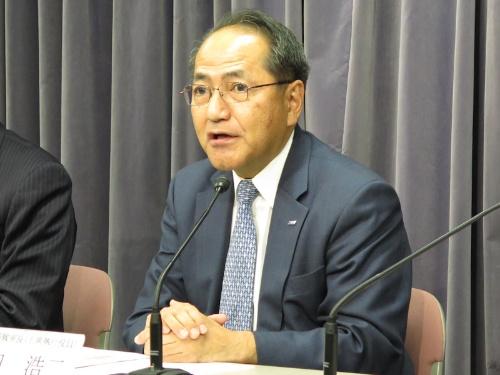 新中計を発表するANAHDの芝田浩二上席執行役員