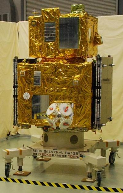 自動車用電子部品の動作試験を行う衛星「SERVIS」
