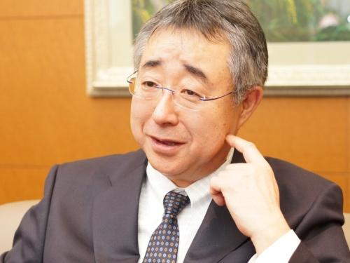 「率先して新しいことに取り組めば運転手からもお客からも選ばれる会社になれる」と語る田中社長