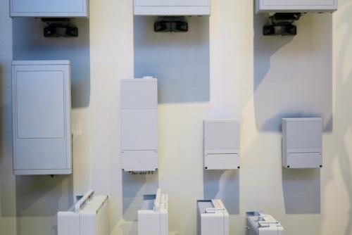 スウェーデンのエリクソンが「MWC19」に出展したミリ波対応の5G無線機。BBU(ベースバンドユニット)と一体化したものもある