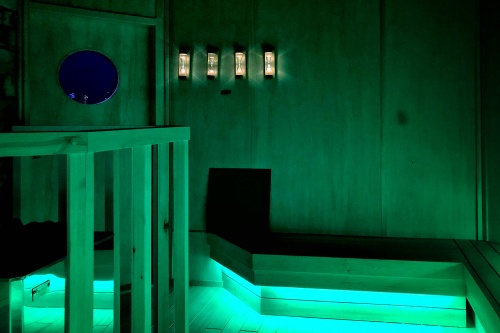 TikTok チームラボリコネクトのサウナ室(写真:日経クロステック)