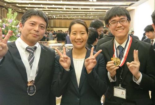 フェンシングエペ競技日本女子代表候補の黒木 夢選手(中央)。