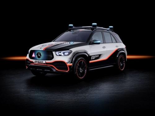 図1 次世代の安全機能を搭載したDaimlerの自動運転実験車「ESF 2019」