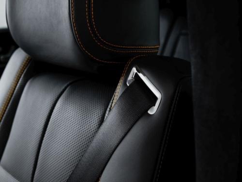 図2 ESF 2019のシート一体型シートベルト