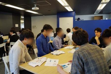 「TECH::EXPERT」の教室で開かれた企業説明会の様子