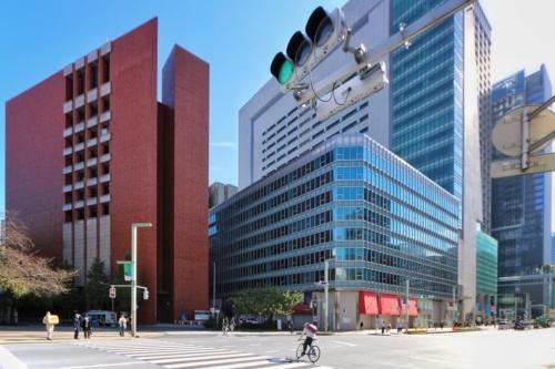 既存建物の解体が始まる直前の日本橋1丁目中地区(北西側)(20年10月撮影)(写真:日経クロステック)
