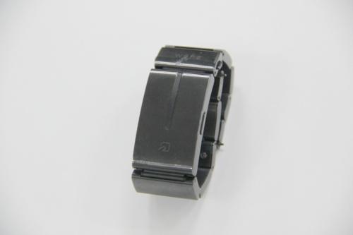 スマートウオッチのwena wrist。時計のバンド部分にFelicaを内蔵しており、電子マネーやポイントカードを登録できる