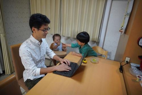 柔軟な働き方ができる労働時間制のなか、在宅勤務を進めるMSDの社員