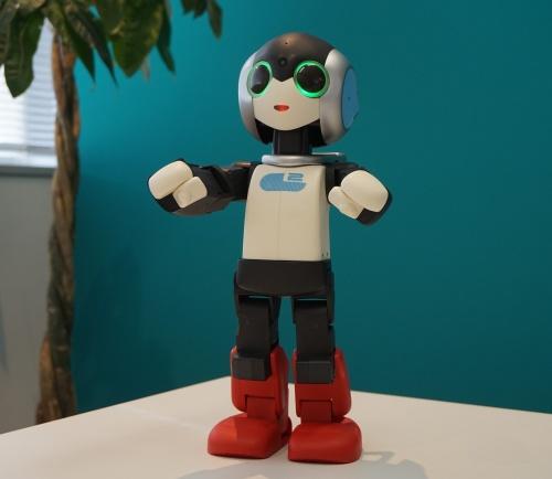 2足歩行型ロボット「ロビ2」