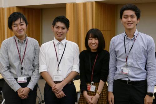 入社1~2年目のメンバーで挑んだチーム「Oden」。左からチームリーダーの津川卓也氏、高附勇介氏、土屋海晴氏、佐藤浩司氏