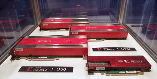 XilinxのFPGAを搭載したアクセラレーターカード。日経 xTECHが撮影