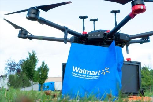 Walmartの荷物を搭載したFlytrexの機体
