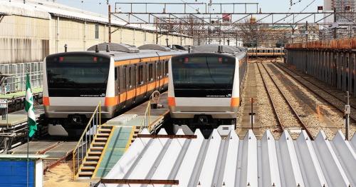 旧武蔵小金井電車区で休む中央線のE233系10両編成。基地内は12両分のスペースがある(撮影:大野 雅人)
