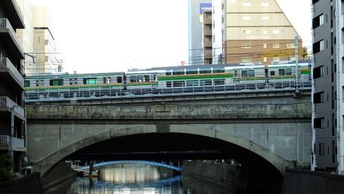 上野東京ラインを行くグリーン車(撮影:大野 雅人)