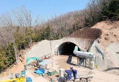 建設中の藤井トンネル(写真:国土交通省近畿地方整備局)
