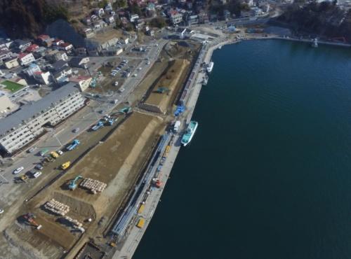気仙沼市魚町地区で建設中の防潮堤(写真:宮城県)