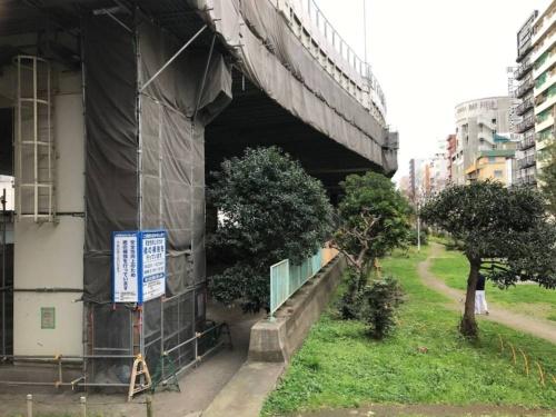 問題が発覚した首都高7号小松川線の補強工事の現場。画像を一部加工(写真:日経コンストラクション)
