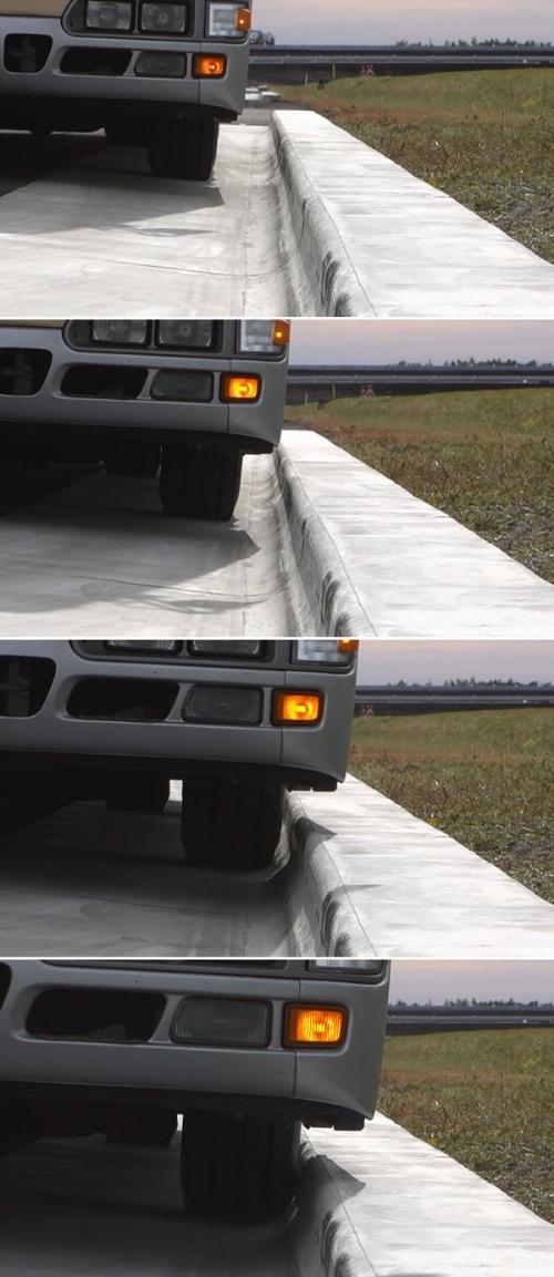 バスが縁石にタイヤを接触させながら停車する様子。写真の縁石は2016年時点の開発中のもの(写真:ブリヂストン)
