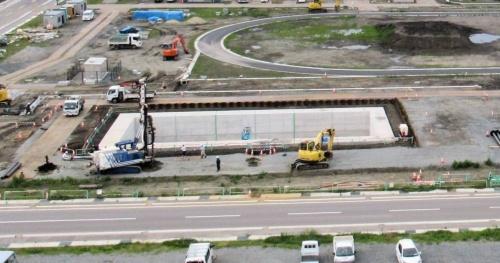 建設中の大型水槽。2019年7月撮影(写真:日経コンストラクション)