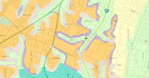 東京都内の神谷町駅周辺の地図から建物や等高線などを非表示にしたうえで、地形分類のデータを組み合わせた(資料:国土地理院)