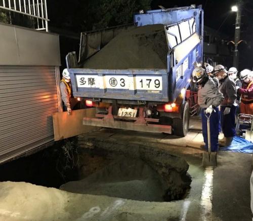 復旧工事の様子(写真:東日本高速道路会社)