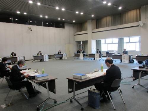 国土交通省は2021年2月28日、リニア中央新幹線静岡工区の環境問題を議論する有識者会議の第9回会合を開催。中間取りまとめの方針と素案を示した(写真:国土交通省)