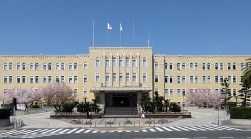 和歌山県庁(写真:和歌山県)
